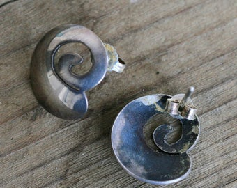 Silver nautilus post earrings