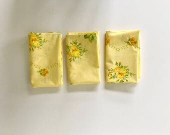 Vintage set of 3 floral pillowcases