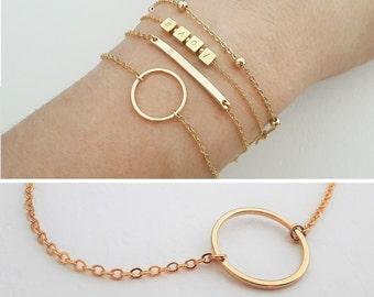 Delicate Circle Bracelet / Layering Bracelet / Layered Jewellery / Minimalistic Jewelry / Dainty Everyday Jewelry / Geometric / B402