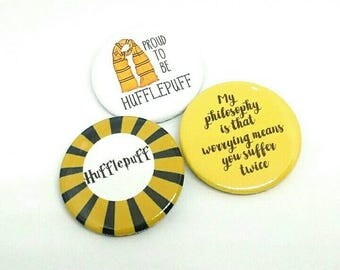 Newt Scamander-  Badge/Magnet -  Proud to be Hufflepuff -  Worrying - Harry Potter Badges/Magnets - Quotes