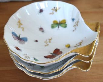 Vintage Set of Three Butterfly Scalloped Clamshell Dishes Trinket Tray Insect Beetles White and Gold Beetle
