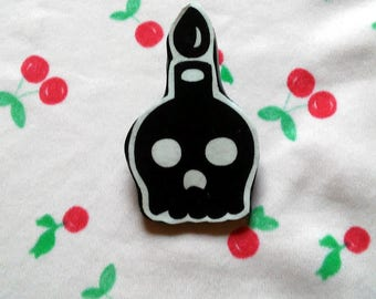 Skull Pin - Creepy Cute - Kawaii - Candle Skull - Candle Button - Creepy Button - Decoupage - Handmade Button - Clay Skull - Skull Candle