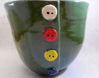 Green bowl with button look