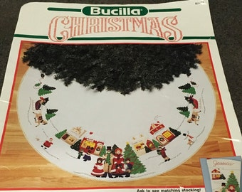 "Bucilla A Dickens Christmas Round Tree Skirt 82834 43 "" Round Felt Tree Skirt Applique 1990 Open Kit  Christmas Holidays"