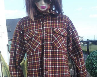 Vintage  Pendleton plaid wool boy friend  shirt , 1970's USA