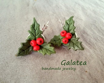 Christmas Holly earrings Festive Woodland jewelry Holiday Red Berries earrings polymer clay Christmas jewelry gift for woman Xmas earrings