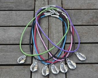 Short necklace shell zamak