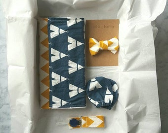 Baby shower gift set- newborn gift- baby boy gift- burp cloths- pacifier clip- no scratch mittens-clip on bow tie