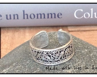 Man silver vintage ring. Adjustable