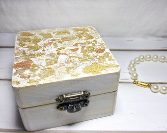 Gold Wedding Ring Bearer Box - Engagement Ring Box - Rustic Chic Ring Box - Gold Wedding Ring Holder - White Wedding Ring Box - Ring Chest