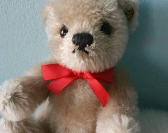 Cute Steiff bear! Collectible vintage plush toy 1990s