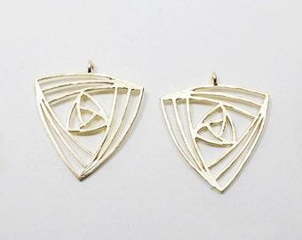 P0545/Anti-Tarnished Matt Gold Plating Over Brass/Geometrical Triangle Pendant/22x23mm/2pcs