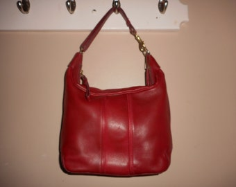 VINTAGE COACH 10 x 9 Red Leather Shoulder Bag K3H-6950 W/Hang Tag USA