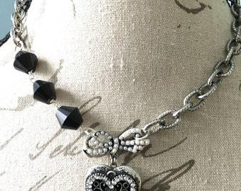 Valentines Day Necklace//Valentines Statement Necklace//Vintage Heart Locket//Vintage Assemblage Jewelry