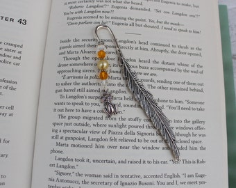 Bookmark, Silver Tone Bookmark, Cat Charm, Animal Lover Gift, Stocking Filler, Craft Charms, Beaded Bookmark, Book Lover Gift.