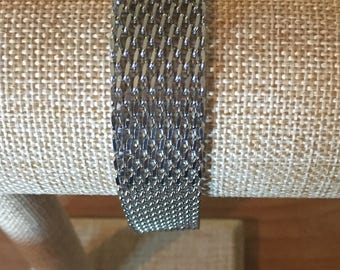 Mesh stainless steel chain bracelet