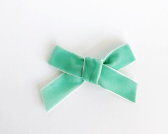 the VELVET bow || MINT; chunky velvet bow