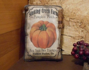 Pumpkin Patch Pillow Tuck: Primitive Rustic Americana Pillow Tuck.