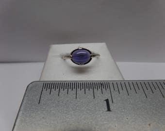 Vintage Sterling Silver Amethyst Ring / FEM
