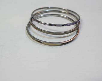 Lot of brass and mother of Pearl bracelets