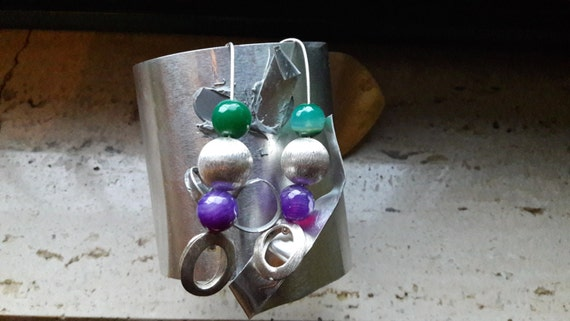 Silver earrings with color sphere