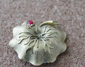 Vintage Mamselle Leaf Ladybug Brooch - B138