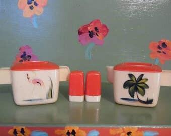 Plastic Sugar Bowl Creamer Salt Pepper Shakers Flamingo Palm Tree Tiki Beach Melmac Melamine Kitchen Decor Mid Century Modern Retro Vintage