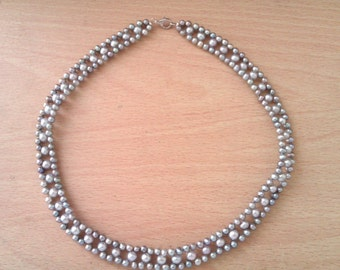 vintage pearl choker/necklace