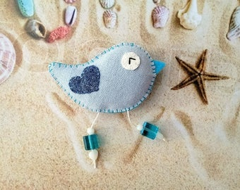 Denim bird brooch, animals brooch, felt pin, cute brooch, felt brooch, teacher gift, bird ornament, denim pin, felt accessories, fabric pin