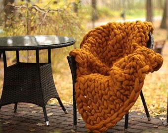 Chunky knit throw. arm knit blanket. chunky baby blanket. super bulky blanket.  23 microns. super chunky blanket