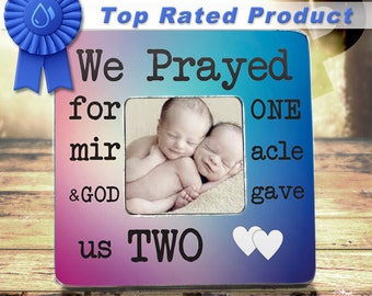 Twins Baby Gifts, Mom Of Twins. Baby Twins, Twins Boy And Girl, Baby Twin Gifts, Twin Pregnancy Announcement, Twin Gifts, Twin Gender Reveal