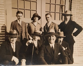 Vintage Photo of a Stylish Crew, Original 1930s Snapshot Photograph