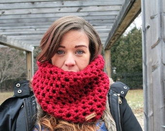 The Derby Cowl