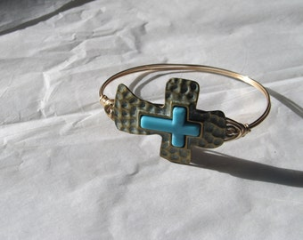 Gold Hammered Metal & Turquoise Cross Wire Wrapped Bangle Bracelet