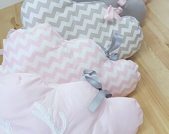 Cloud's baby crib bumper scandinavian's inspired / Pink and gray baby crib bumper / Crib bumper for bed in 60 x 120 cm. Baby girl bedding.
