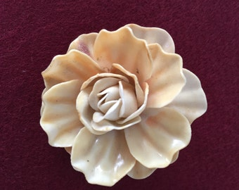 Celluloid Flower Pin Brooch 30s - 40s
