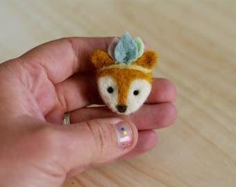 """""""Totem"""" spirit fox brooch / pin """"Totem"""" spirit Fox"""