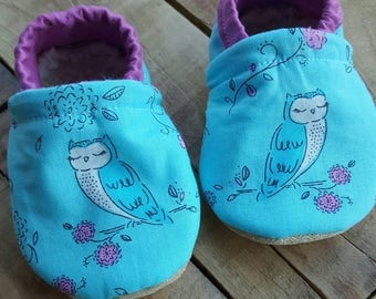 Sleepy owl, Pink, blue, white, Moccasins, baby crib shoes, soft sole