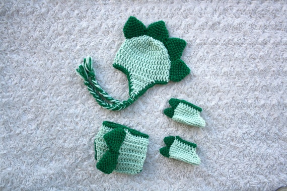 Crochet Dinosaur Hat And Diaper Cover Pattern : Dinosaur Hat Diaper Cover and Shoes Crochet Set