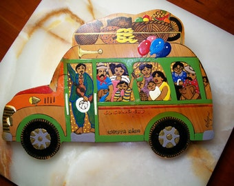 Hand Painted Costa Rica Wall Plaque! Bus with People and Luggage, El Callejero, Street Guide, Costa Rica Souvenir, Orteopui, Tourist
