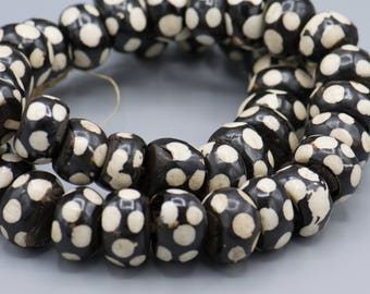 40 Batik Bone Polka Dot 12X22mm From Kenya