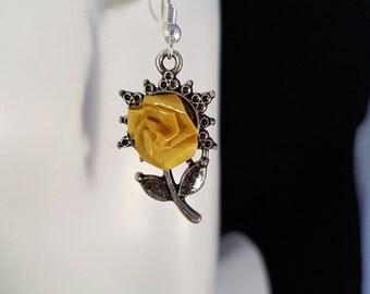 Yellow Rose earrings, dainty rose earrings, yellow Rose, yellow earrings, yellow flowers, flower earrings, girls earrings, dainty jewelry