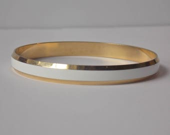Sarah Coventry Gold tone White Enamel Bangle Bracelet, Sarah Coventry Bracelet, Sarah Coventry Bangle, Gold tone Bangle, Enamel Bracelet