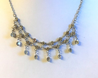 A Lovely Vintage Clear Crystal Silver Tone Necklace