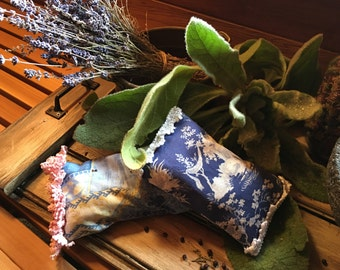 Mountain Lilly Herbs Herbal Dream Pillows