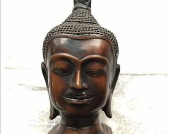 Budha bust