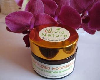 Revitalizing Moisturizer with monoi and magnolia essential oil