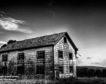 Creepy Barn, black&white photography, landscape, building, nature photography