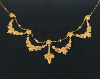French festoon necklace with roses and pearls, 18kt gold, Art Nouveau, c.1905