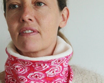 Gorgeous snood - cowl - fleece neck warmer - stretch fabric - great for skiing - made in England